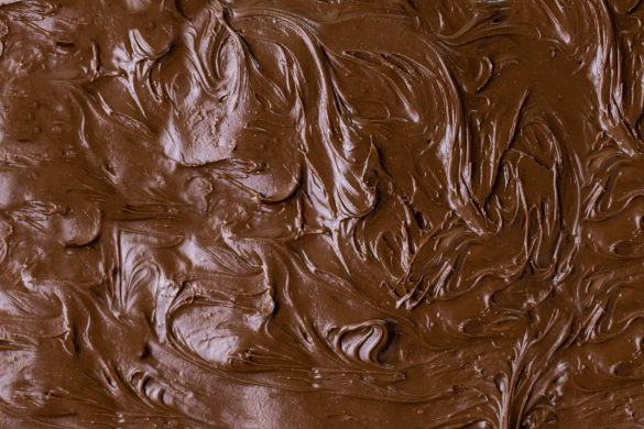 How To Temper Chocolate: Best Way to Make Chocolate Like a Pro